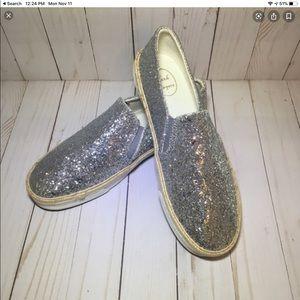 Jack Rogers Tucker Silver Slip On Sneakers 9M